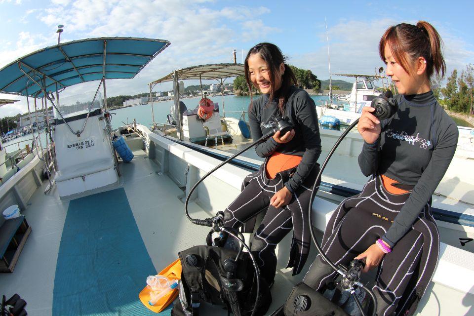ボートで行く!青の洞窟体験ダイビング