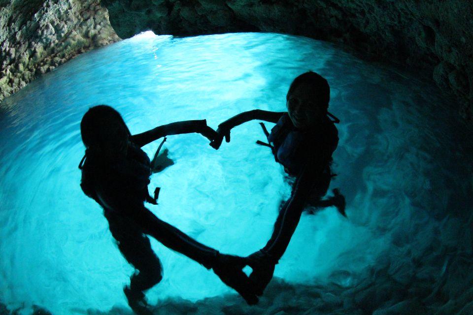 ボートで行く!青の洞窟シュノーケリング