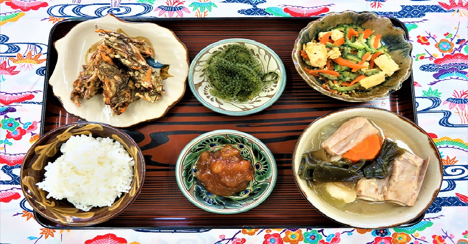 【恩納村観光協会】花城さんの沖縄家庭料理(2人)