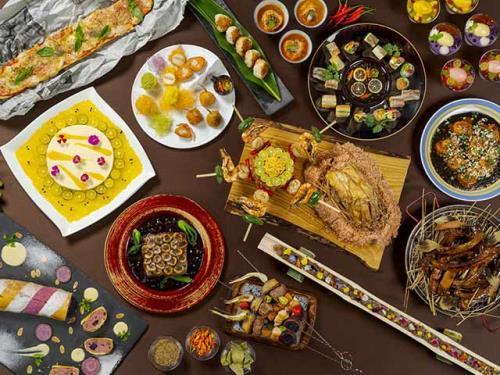 【◆ガルーダナイト◆ショー&ディナー】インドネシア、バリ島の本場ダンサーが繰り広げる南国の夜<2食付>
