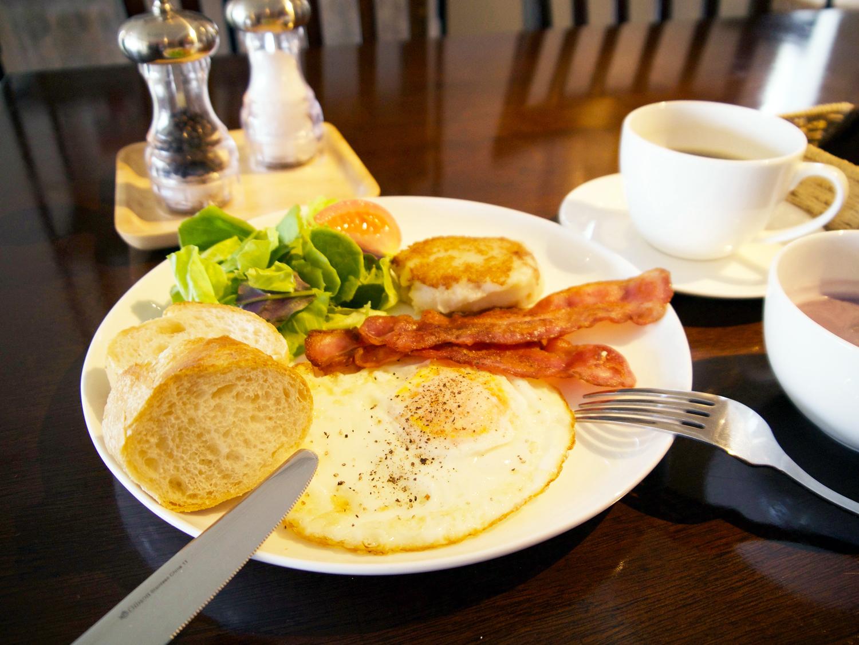 朝食と「キャロットケーキ」